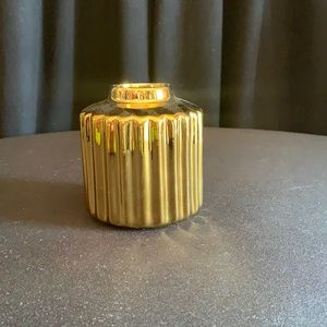 Gold accents small vase